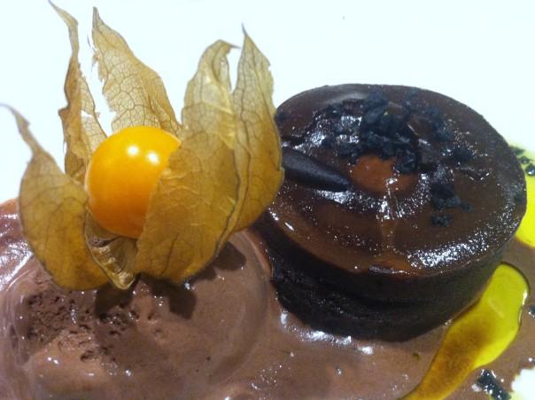 Coulant con Helado de Chocolate a la Guindilla