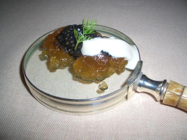 Puchero con hierbabuena y caviar