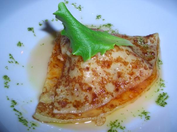 Mini crêpe del mar con aceite de carabineros