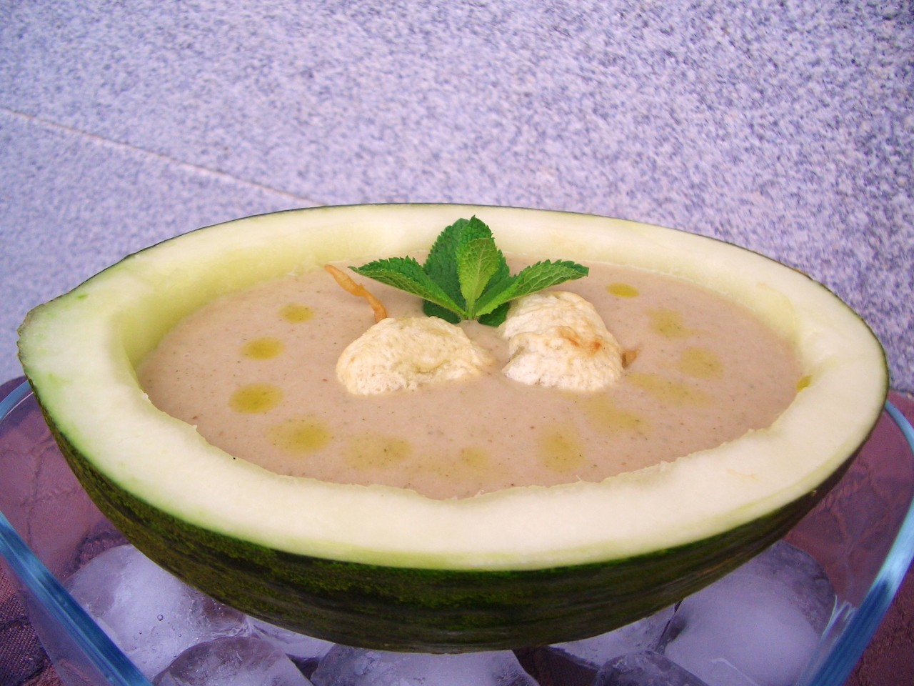 Sopa de Melón, Menta y Boletus – Melon, Mint and MushroomSoup