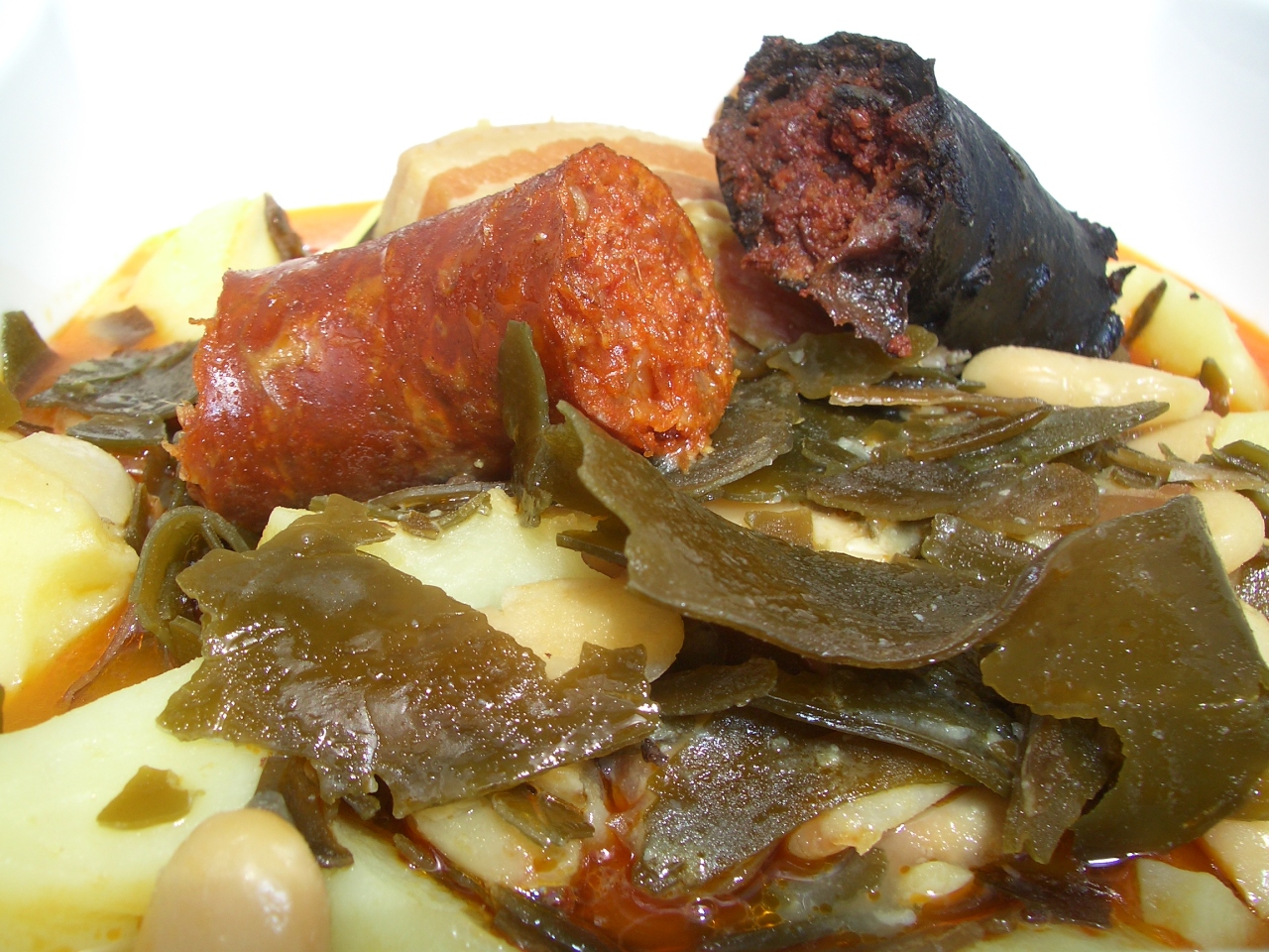 Pote Asturiano con Algas – Asturian Bean, Potato and Algae Stew