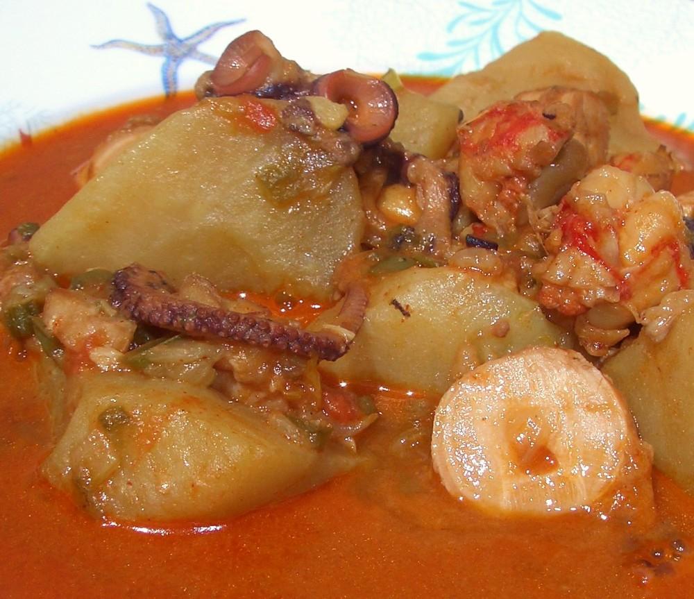 Guiso de Pulpo y Langostinos - Octopus and Prawn Stew (2/6)