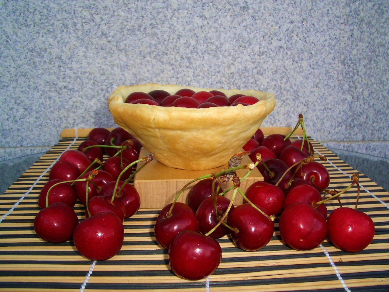 Tartaleta de Cerezas – Cherry and Custard Shortcake