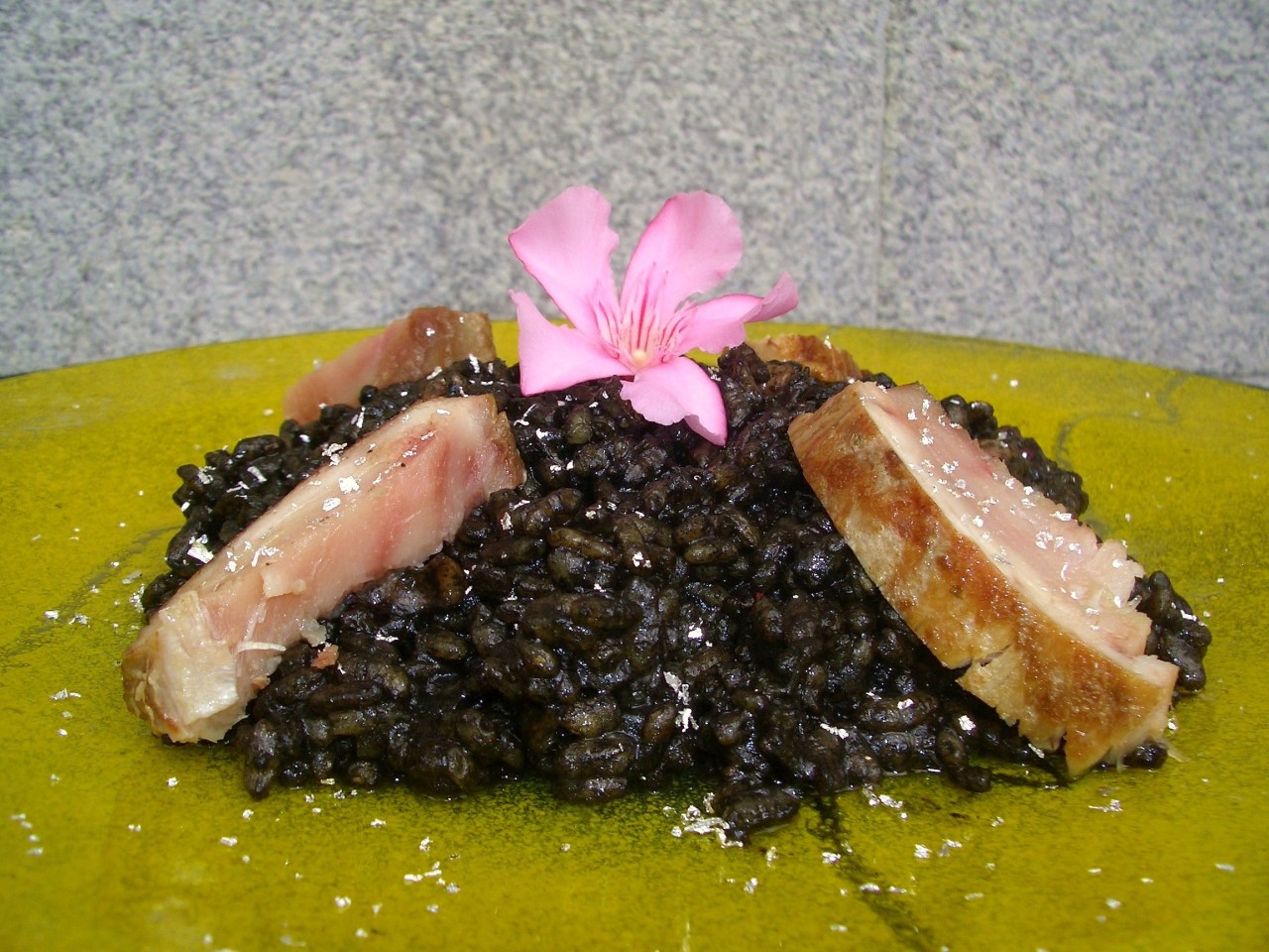 Arroz Negro con Bonito – Black Rice with Tuna
