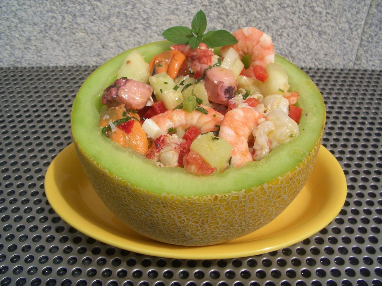 Salpicon de Marisco con Melón – Melon Seafood Cocktail