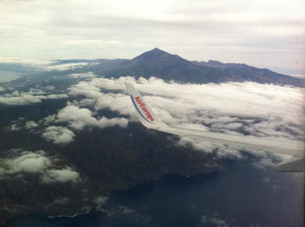 Vistas del Teide y los acantilados de Los Gigantes
