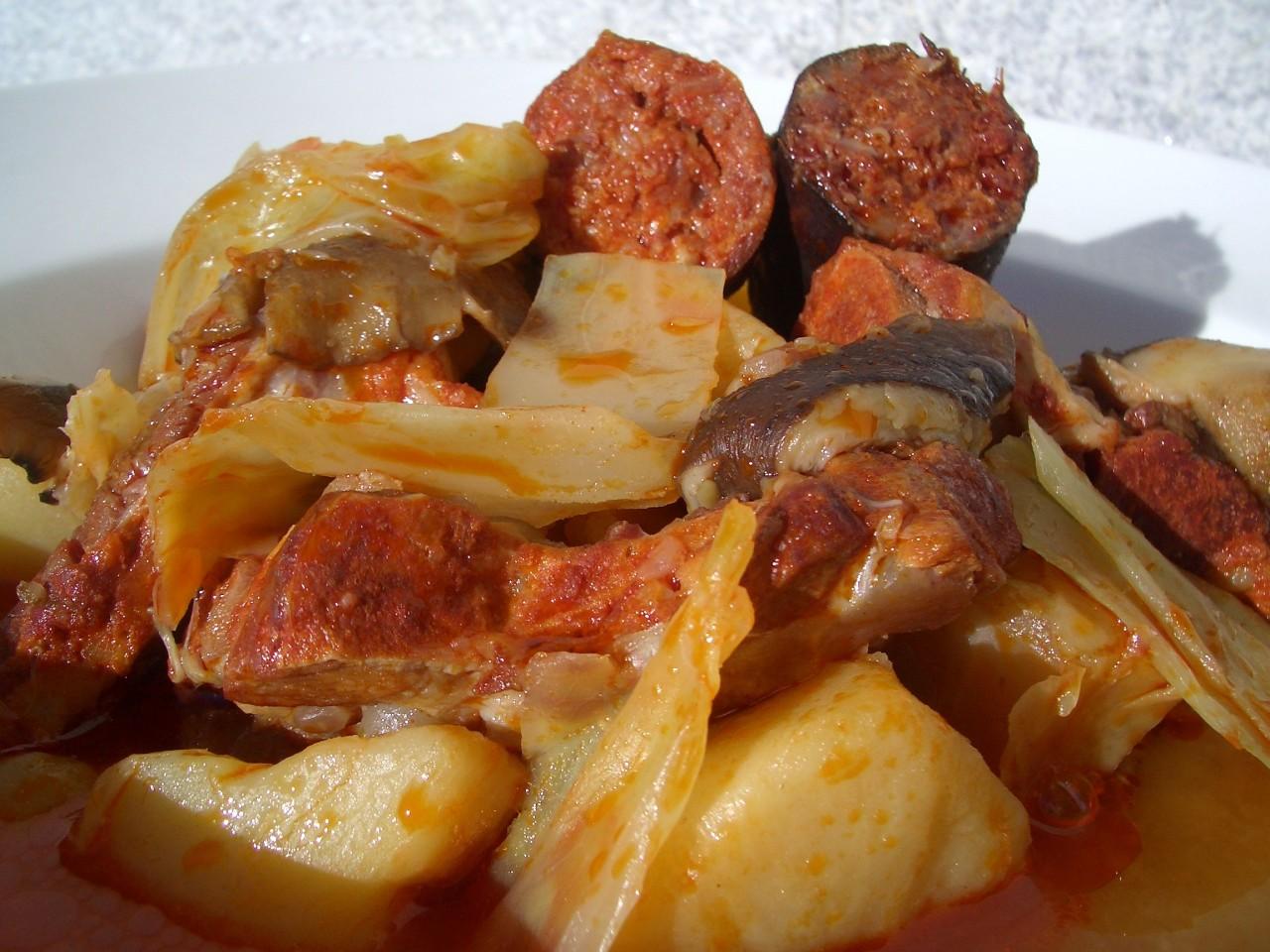 Guiso de Repollo, Costilla y Setas – Cabagge, Rib and MushroomStew