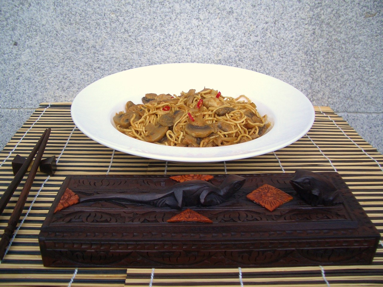 Curry Rojo de Champiñones con Noodles – Noodles with Mushroom Red Curry