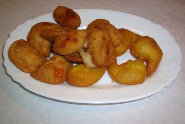 Fritura mixta (croquetas, empanadillas y gambas a la gabardina)