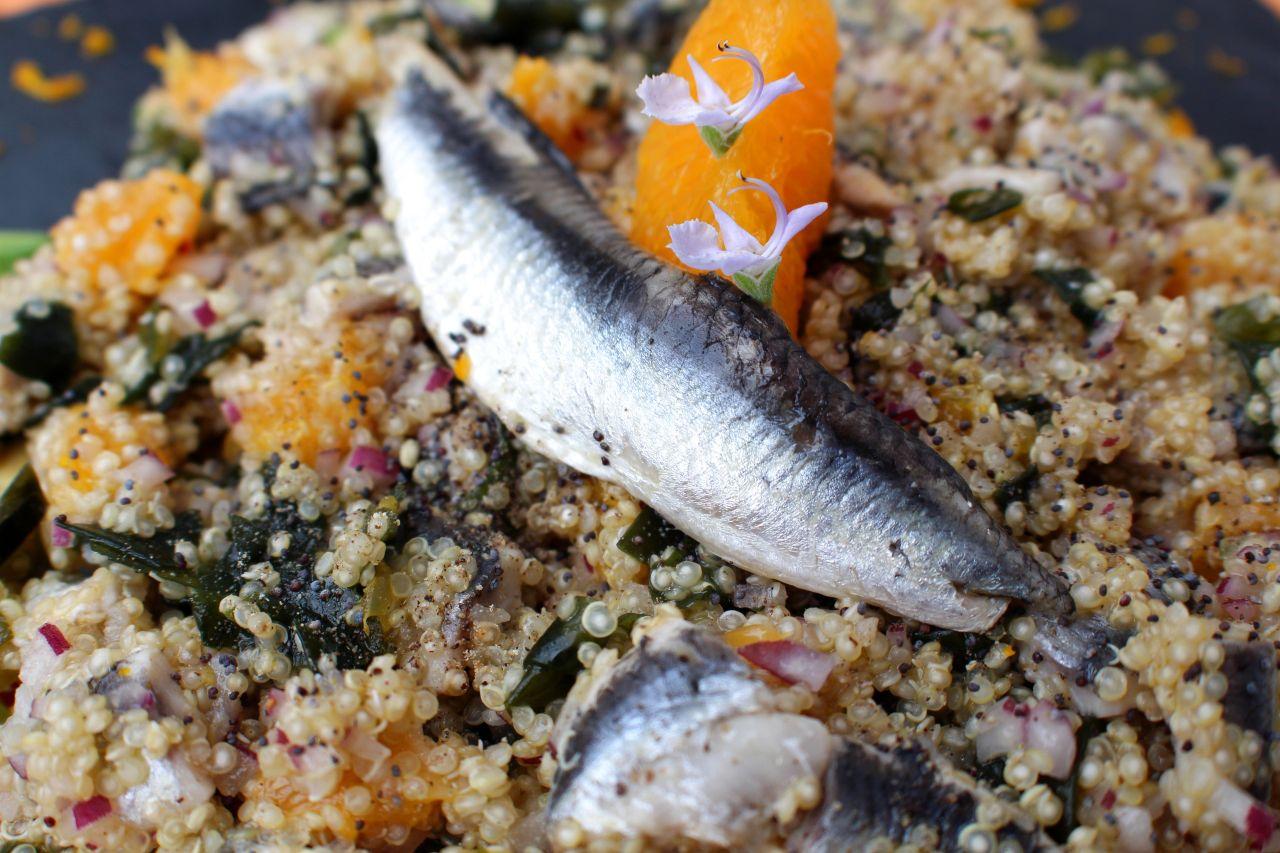 Ensalada de Quinoa, Boquerones, Algas yNaranja