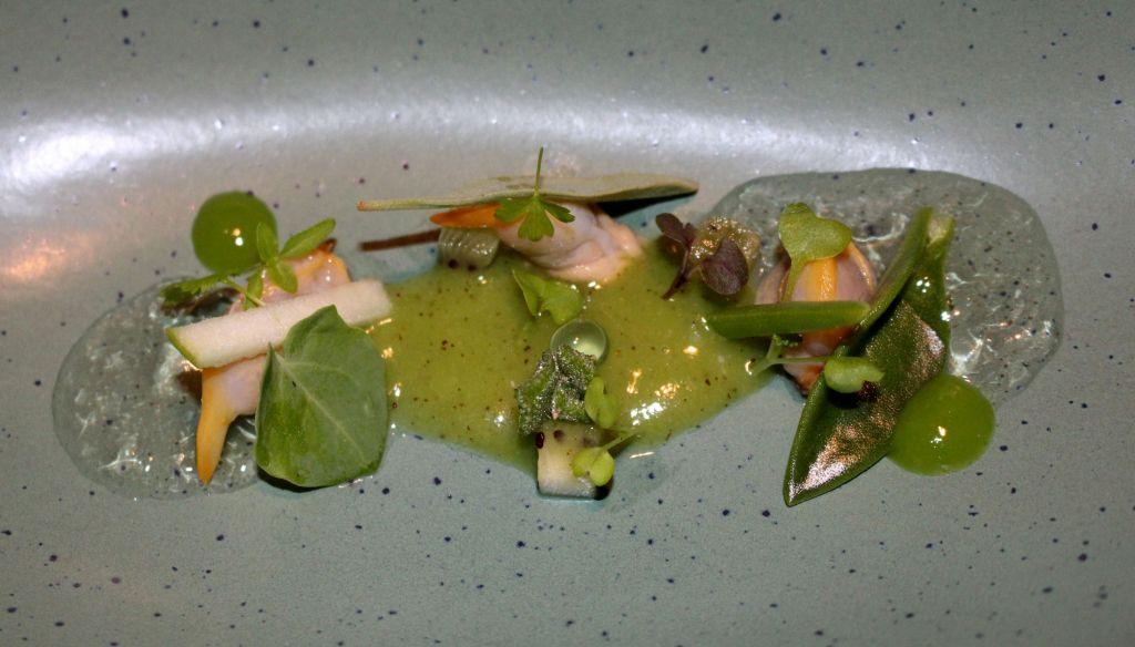 kiwi asturiano, berberechos, jalapeño y manzana