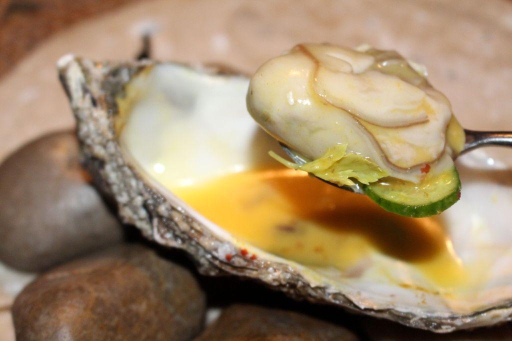 ostra con cítricos, sidra y boniato