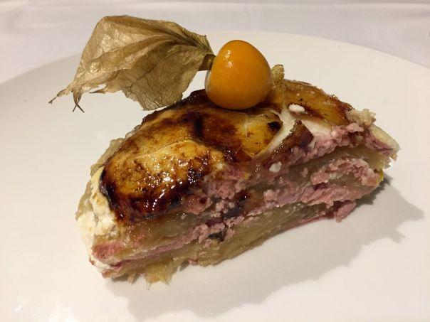 Pastel de foie, manzana, higos y queso de cabra