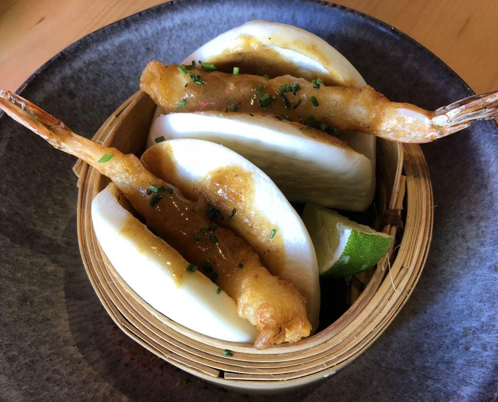 Bao de langostino en tempura