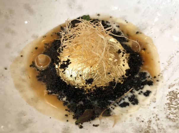hueta de la gallina de los huevos de oro