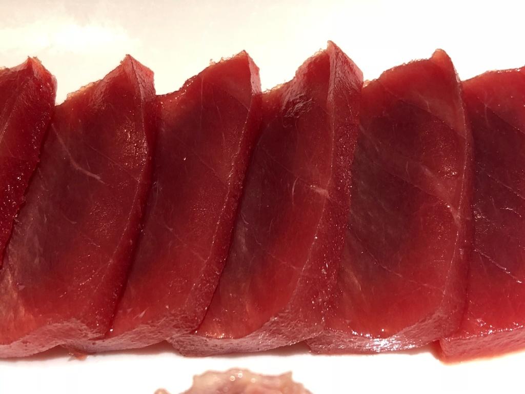 sashimi de atun rojo