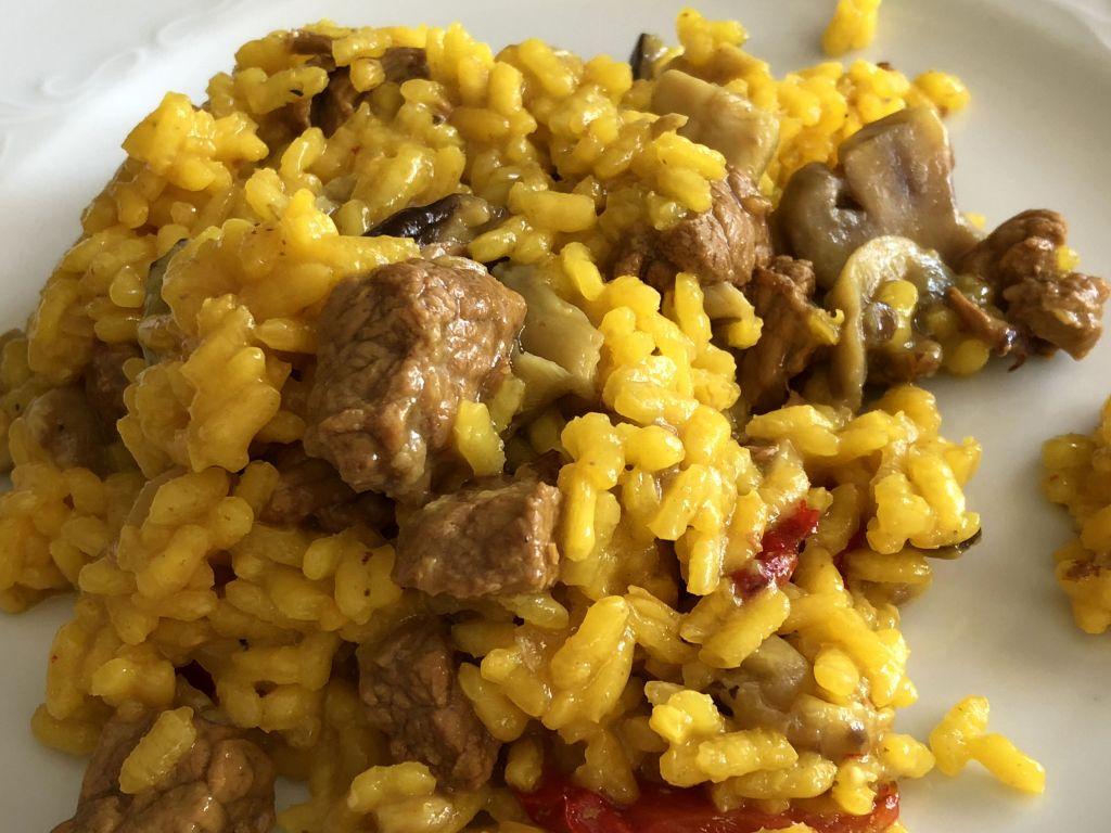 arroz con carne y setas