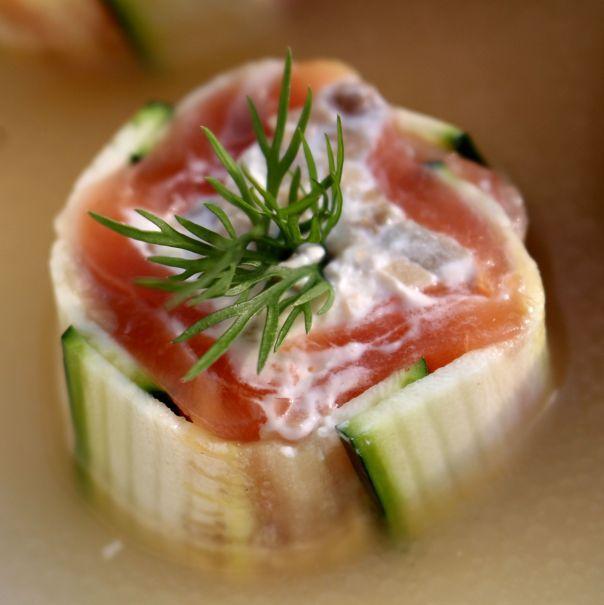 Rollitos de calabacin y salmón