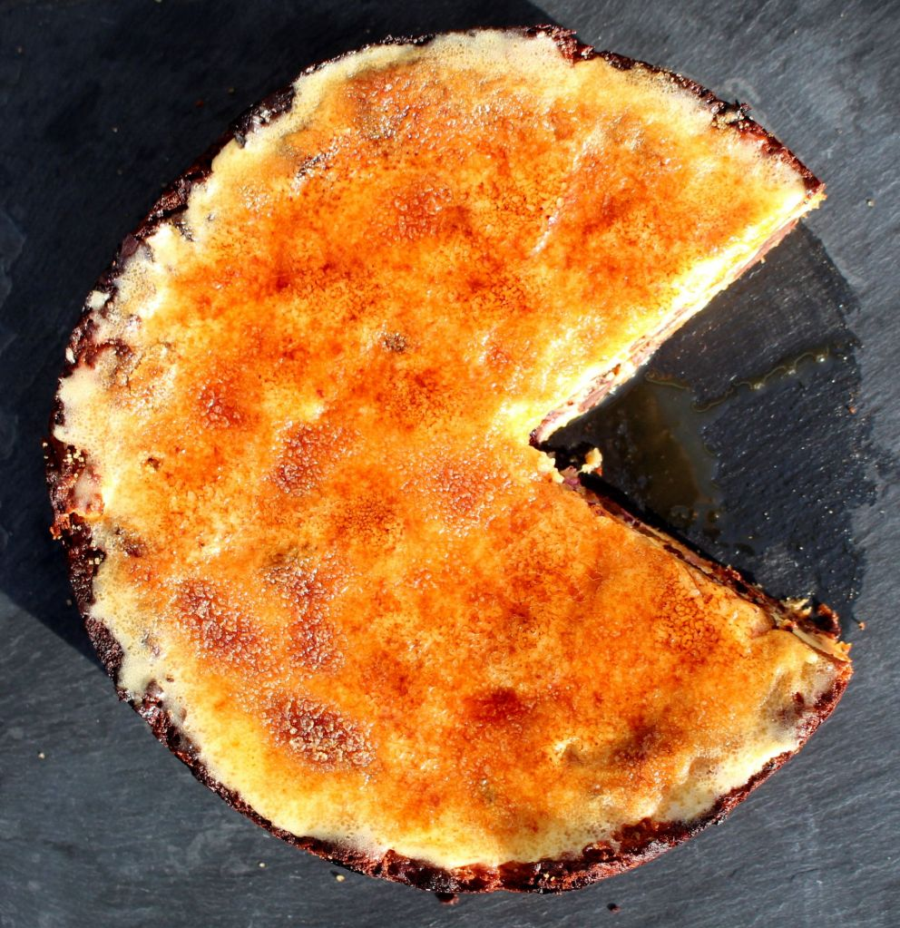 Tarta de panettone y yema tostada