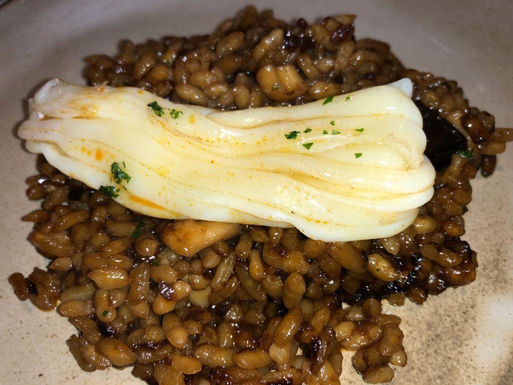 arroz con calamar y espardeñas