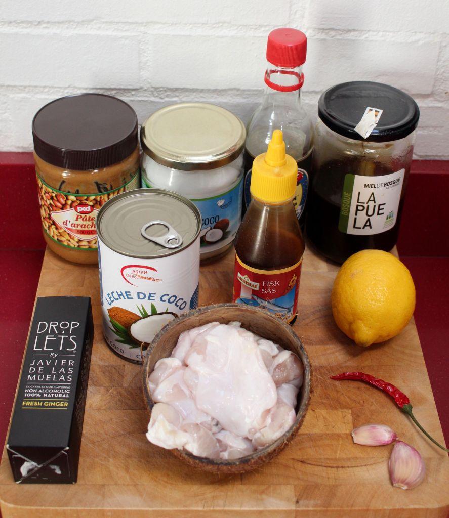 Cocochas confitadas con salsa de cacahuete