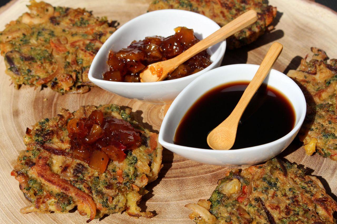Tortitas Vegetales con Calamar y Chutney deMango