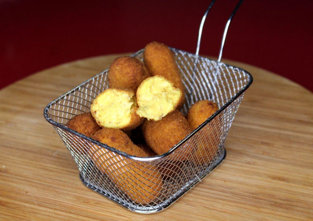 Croquetas de jamón ibérico y azafrán