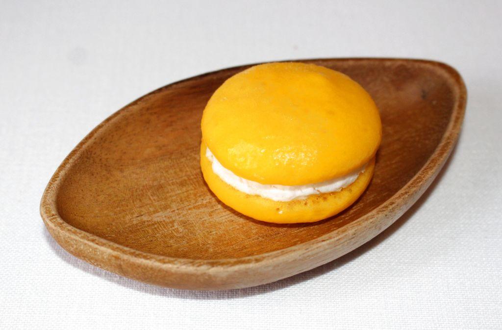 Macarron de mango y coco