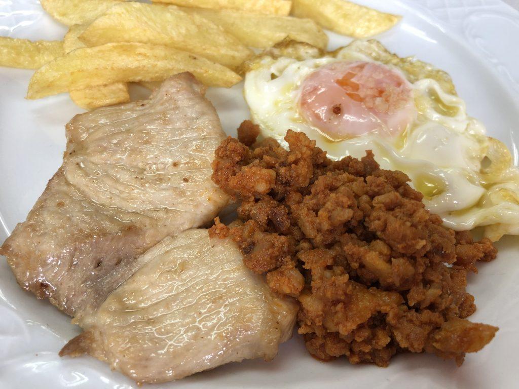 Adobo con Huevos, Picadillo y Patatas