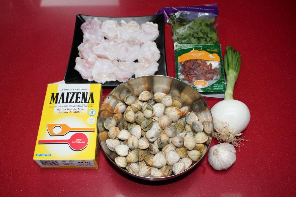 Cocochas de Bacalao con Berberechos en Salsa Verde