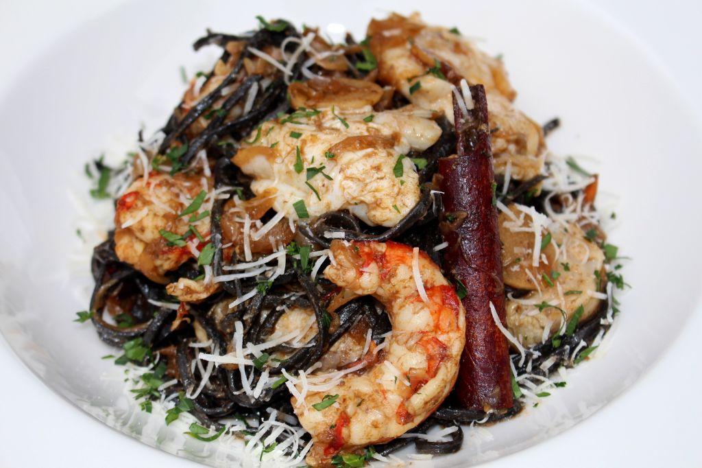 Tagliatelle Siciliana con Cocochas y Langostinos