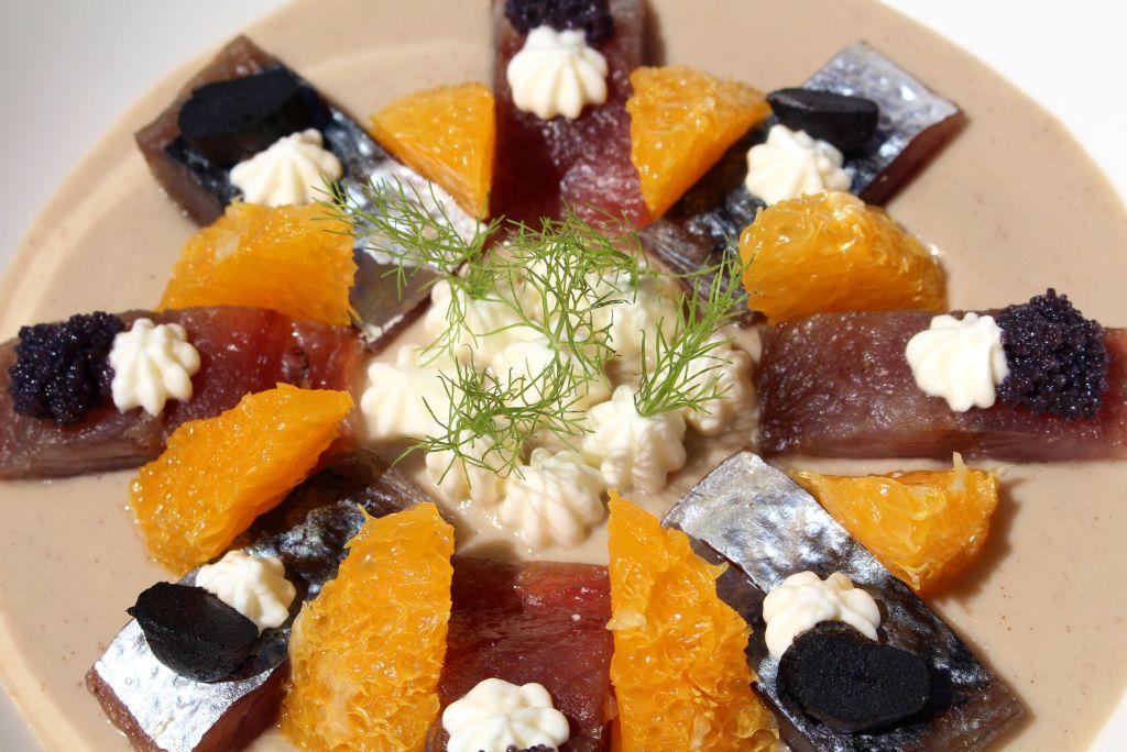 Crema de Hinojo con Caballa Ahumada y Naranja