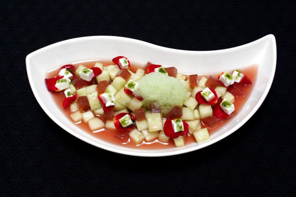 Gazpacho de Pepino y Rosas