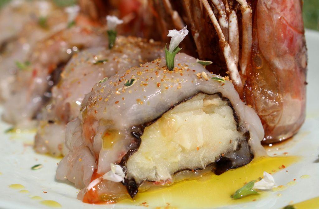 Sushi de Patata con Ajo Asado y Langostinos