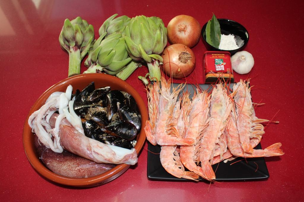 Guiso de Alcachofas, Calamar, Mejillones y Gambón