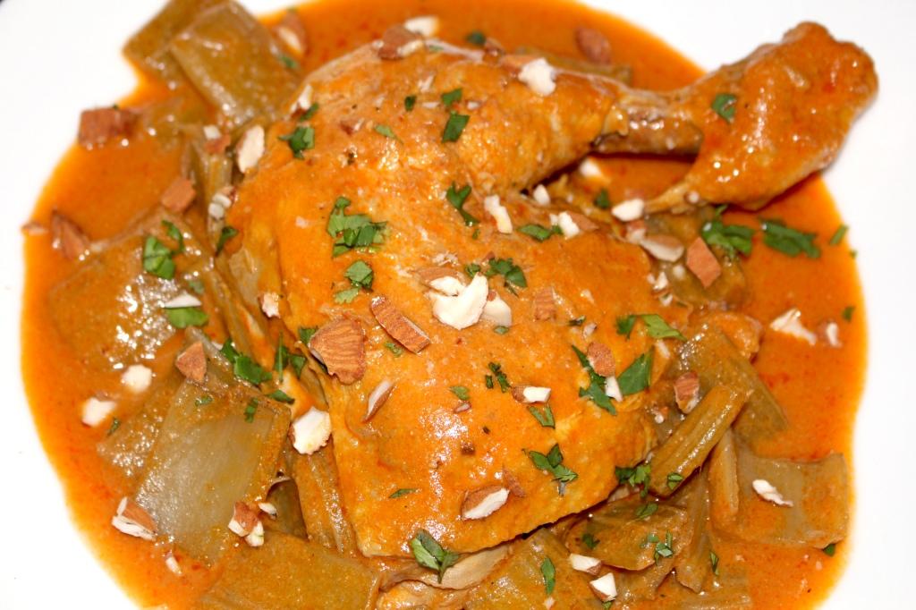 Pollo con Cardos y Almendras al Ají Panca