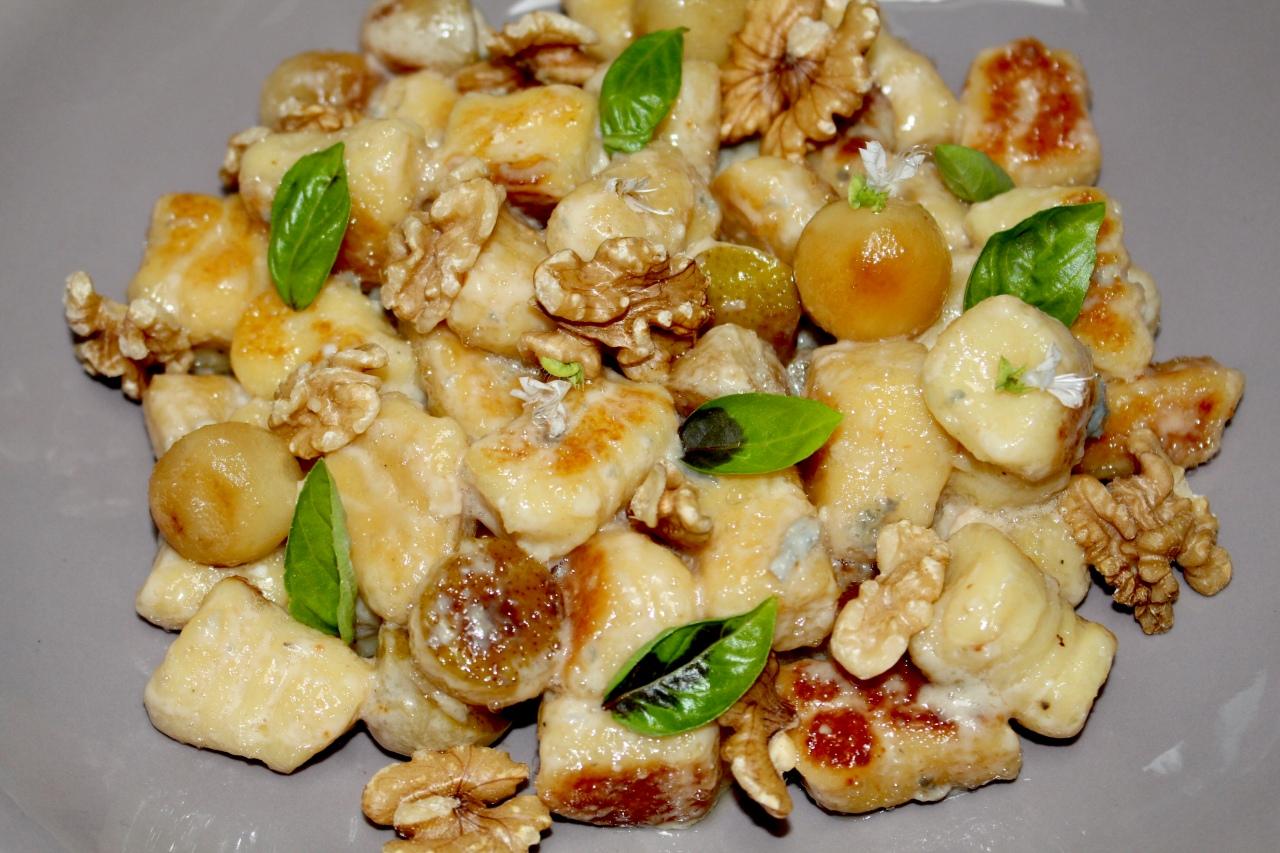 Gnocchis con Gorgonzola, Pera yNueces